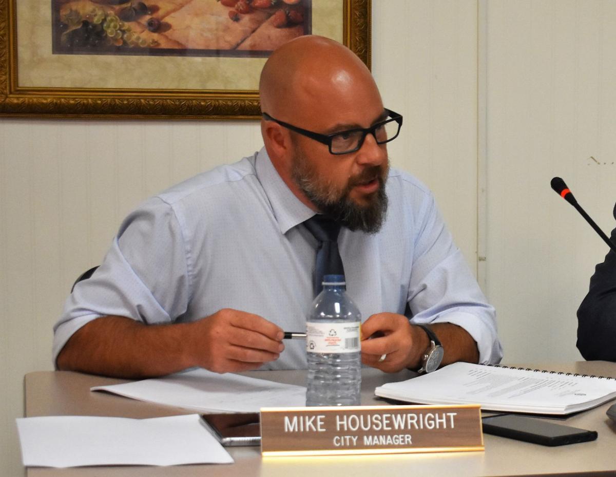 Mount Carmel BMA votes 5-2 to keep city administrator