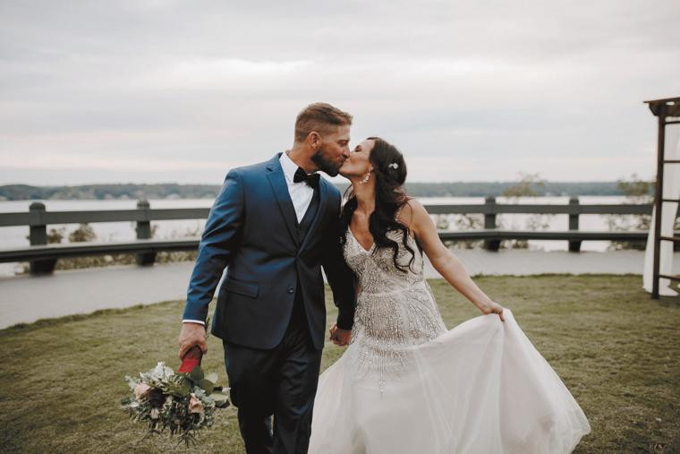 View More: http://lovejules.pass.us/hale-wedding