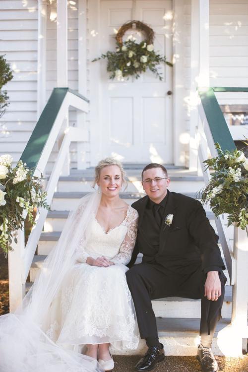 Taylor Chapman And Max Toner Spotlight Weddings Tnvalleybrides Com