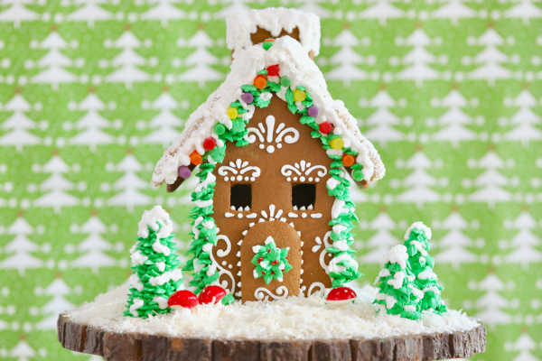 gingerbread-house-bigger-bolder-baking.png