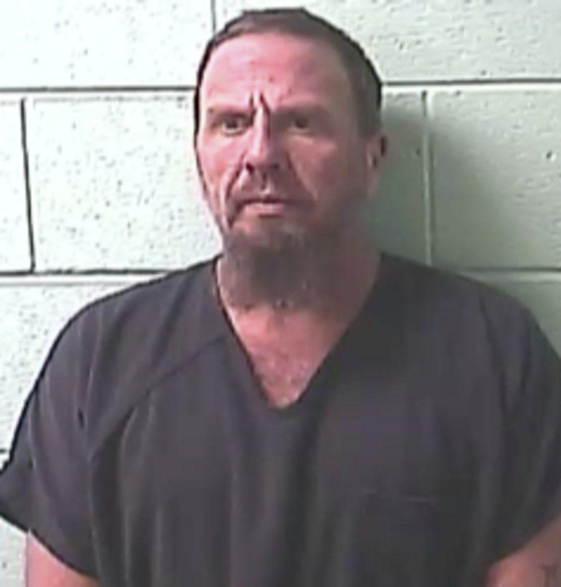 Meth trafficking bust in Benton results in 2 arrests