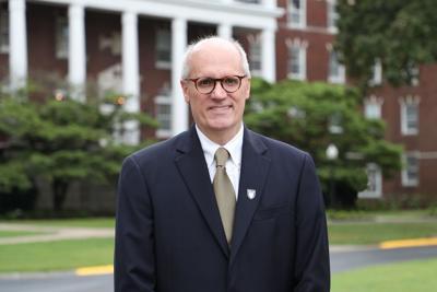 Murray State University President Dr. Bob Jackson receives national award