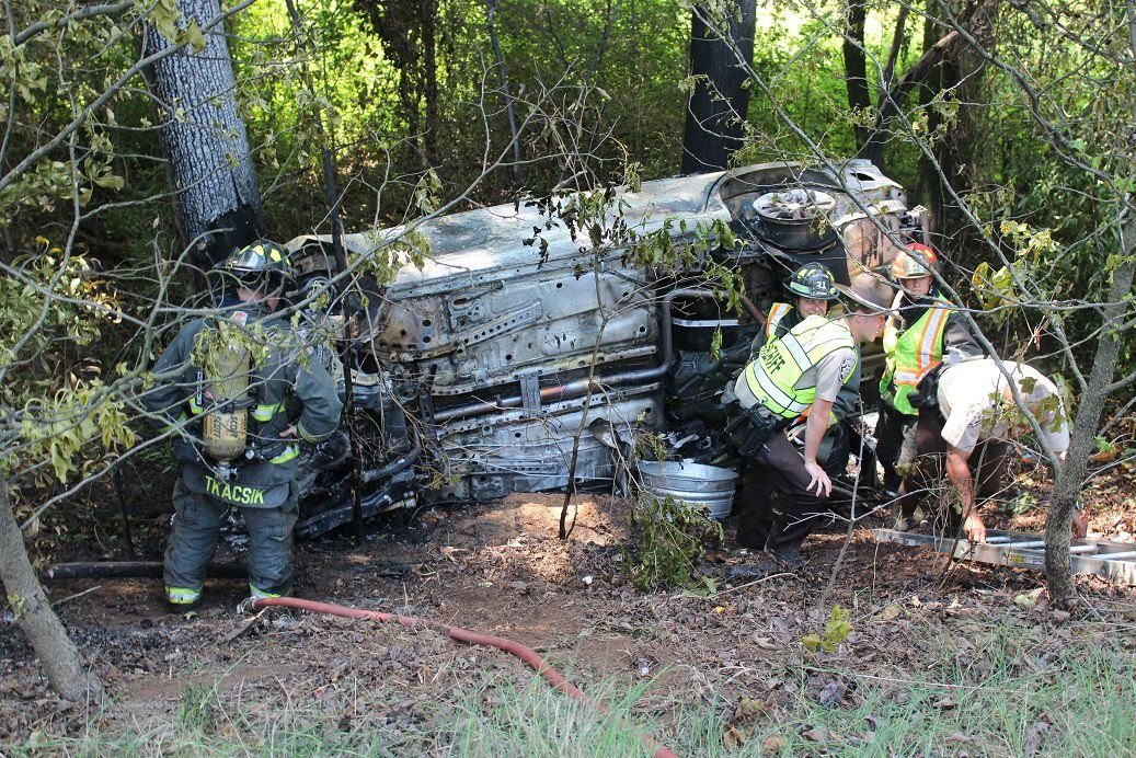 driver killed in single car wreck