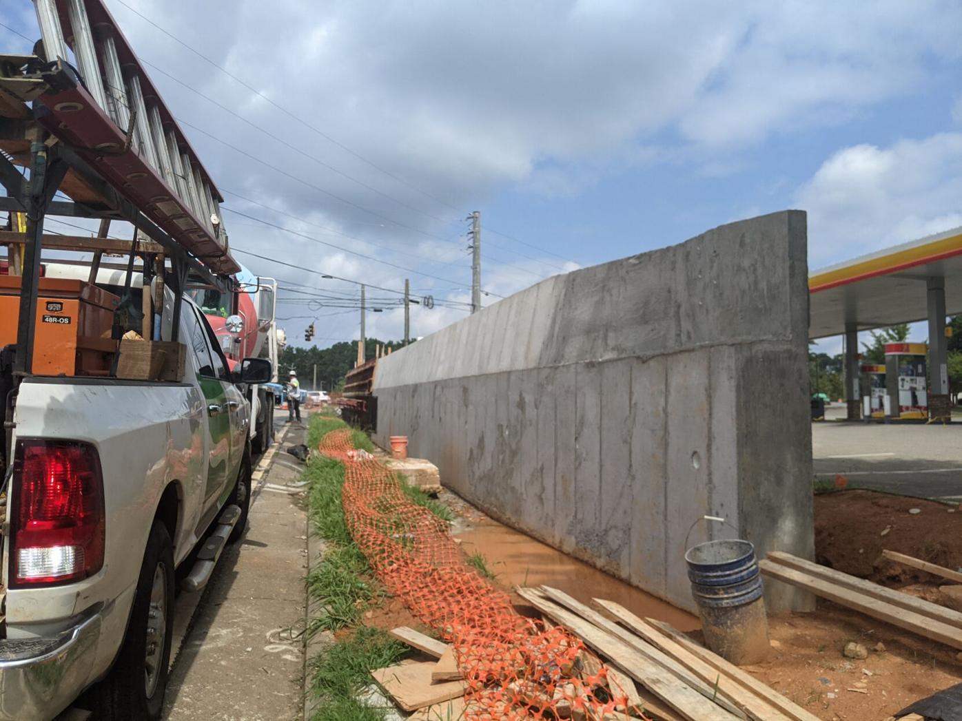 Highway 140 wall