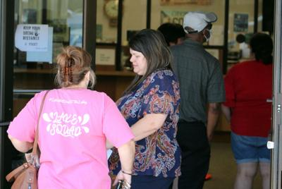 High turnout but few problems as Polk begins early voting