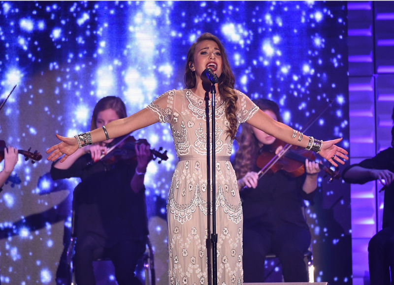 Lauren Daigle Christmas.For King And Country Lauren Daigle To Take Stage For