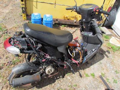 moped 1.jpg