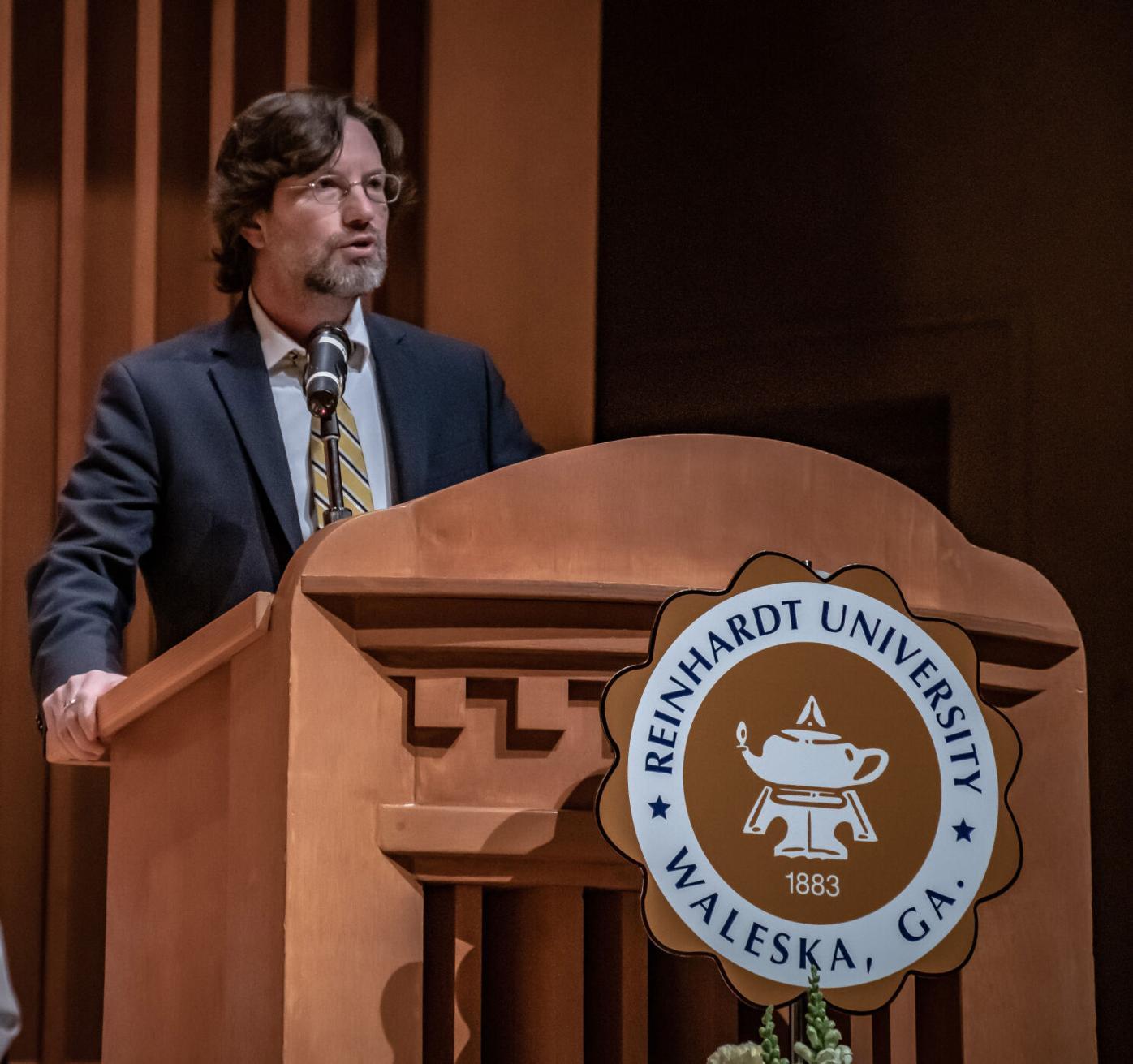 Dr.-Roberts---podium.jpg