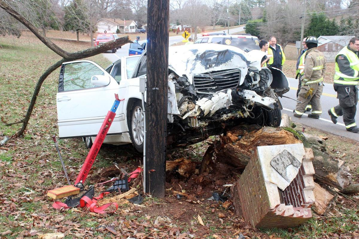 Elderly Canton woman dies in single car accident | Local