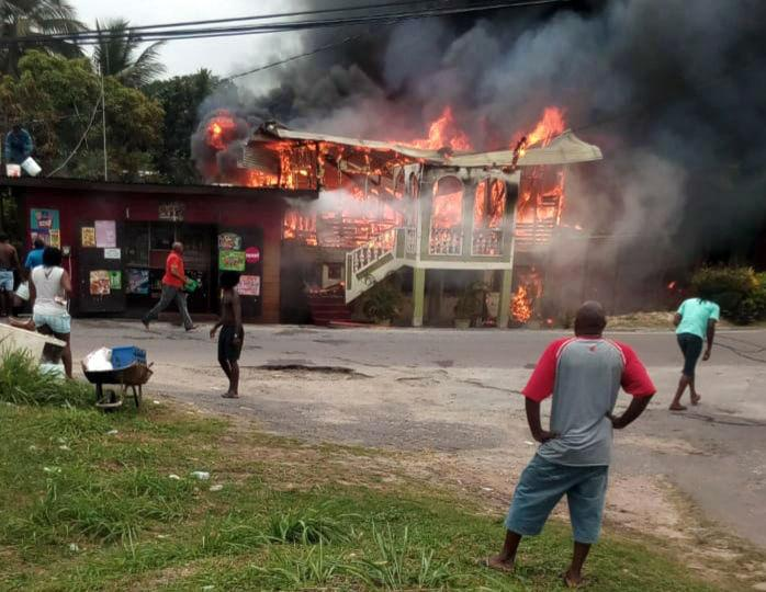 children discover fire  flee burning house