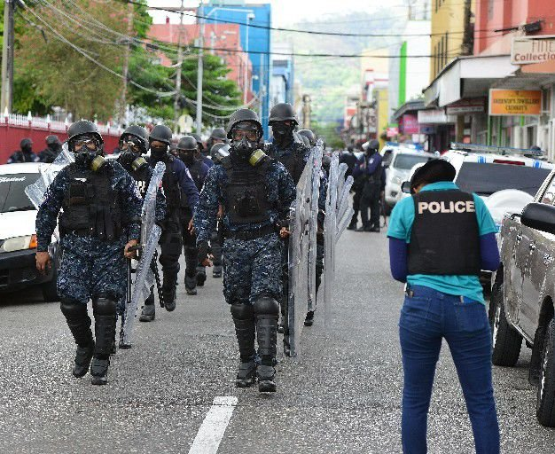 Members of the police Guard and Emergency Branch