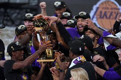 Lakers players celebrate
