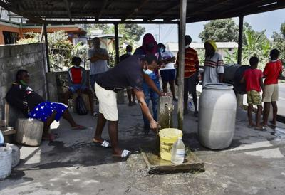 USE: Vincentians collect water