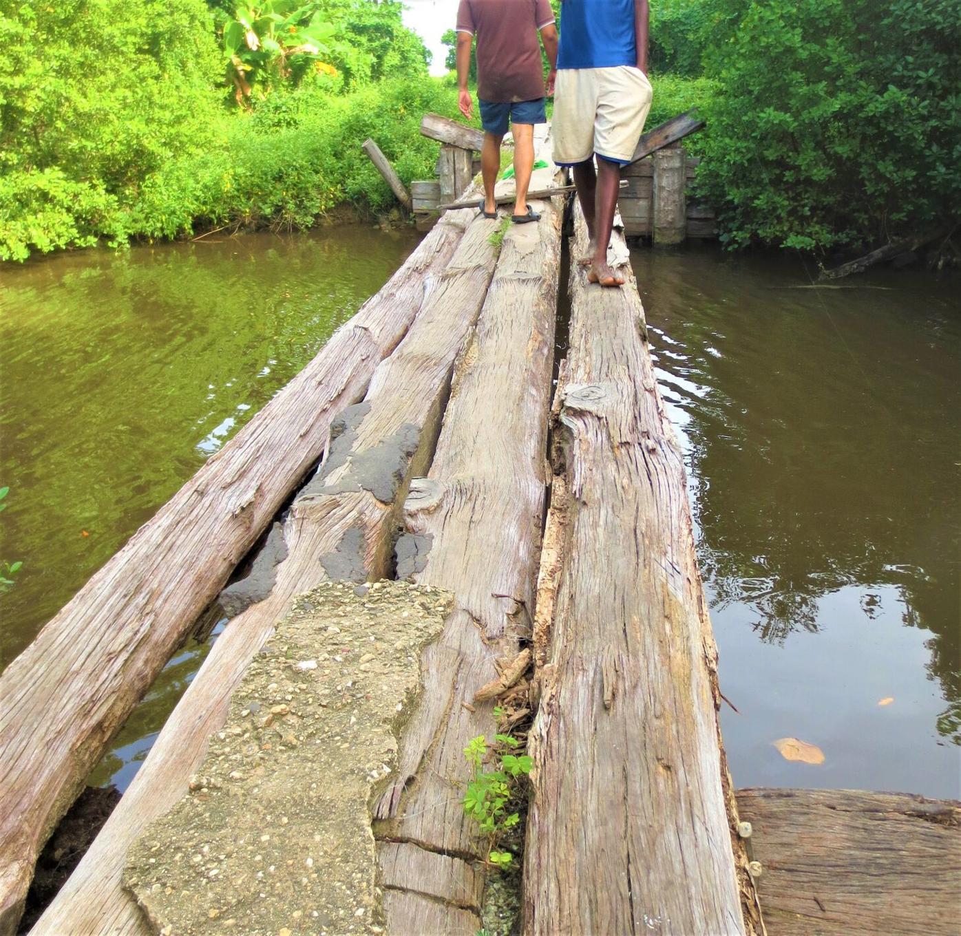 The bridge at Grand Lagoon, Mayaro.JPG