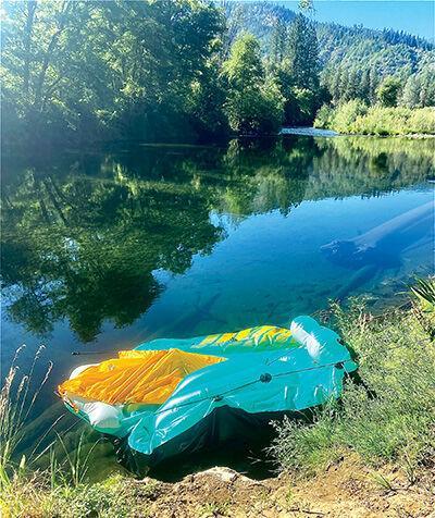 Partially flattened floatie