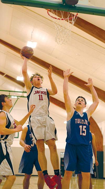 Hayfork Basketball boys