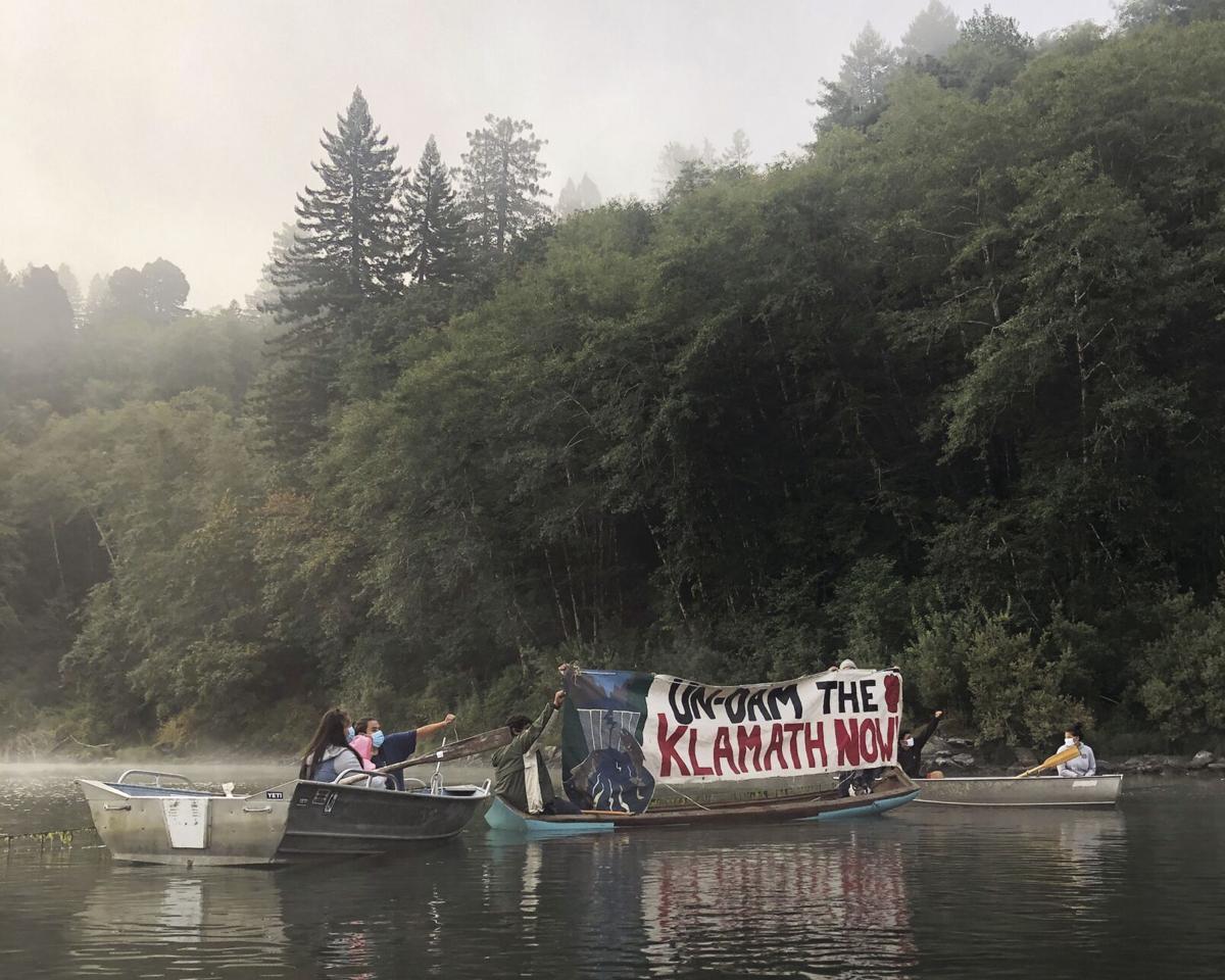 Floating blockade