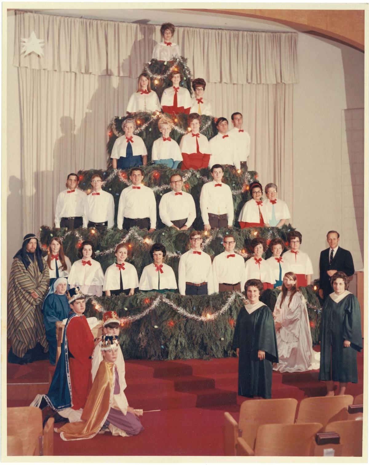 Singing Christmas Tree 2
