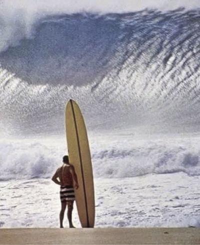 Surfing legend dies