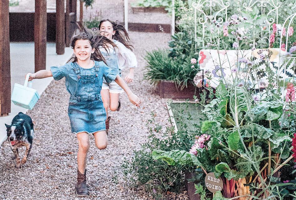 garden gathering0