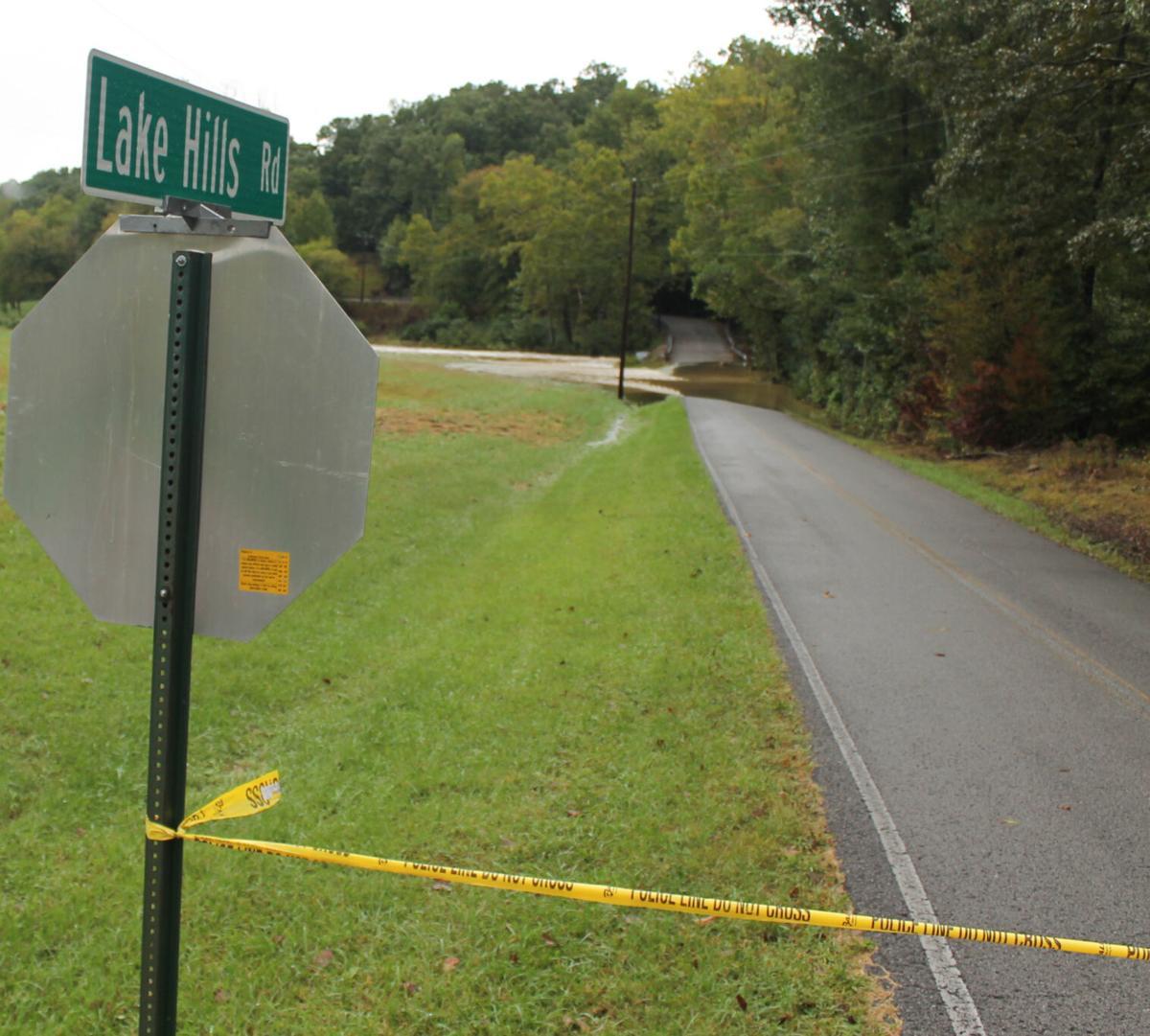 Lake Hills Rd stop sign