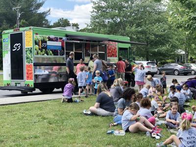 Food truck S3 summer 2019 ADJ.jpg
