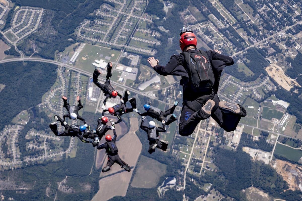 Skydiver 1.JPG
