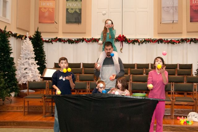 Churches plan Christmas week events