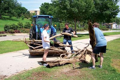 Tulsans help neighbors affected by destructive floods