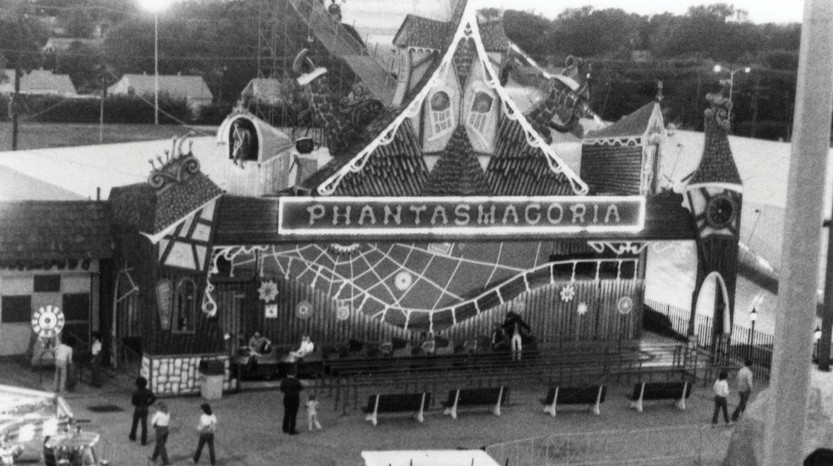 Phantasmagoria Bell's