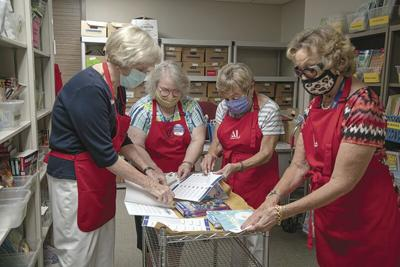 Assistance League Tulsa volunteers