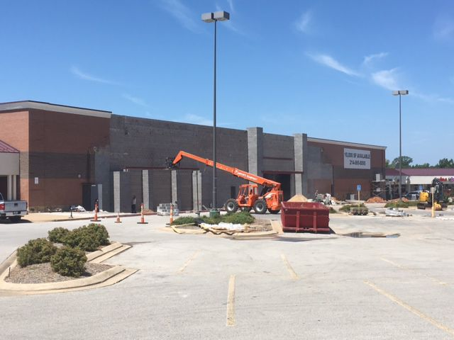 Exceptional Construction Work Continues On A Former Food Pyramid At Memorial Crossing  Shopping Center. A HomeGoods Store Is Expected To Open Later This Year At  The ...