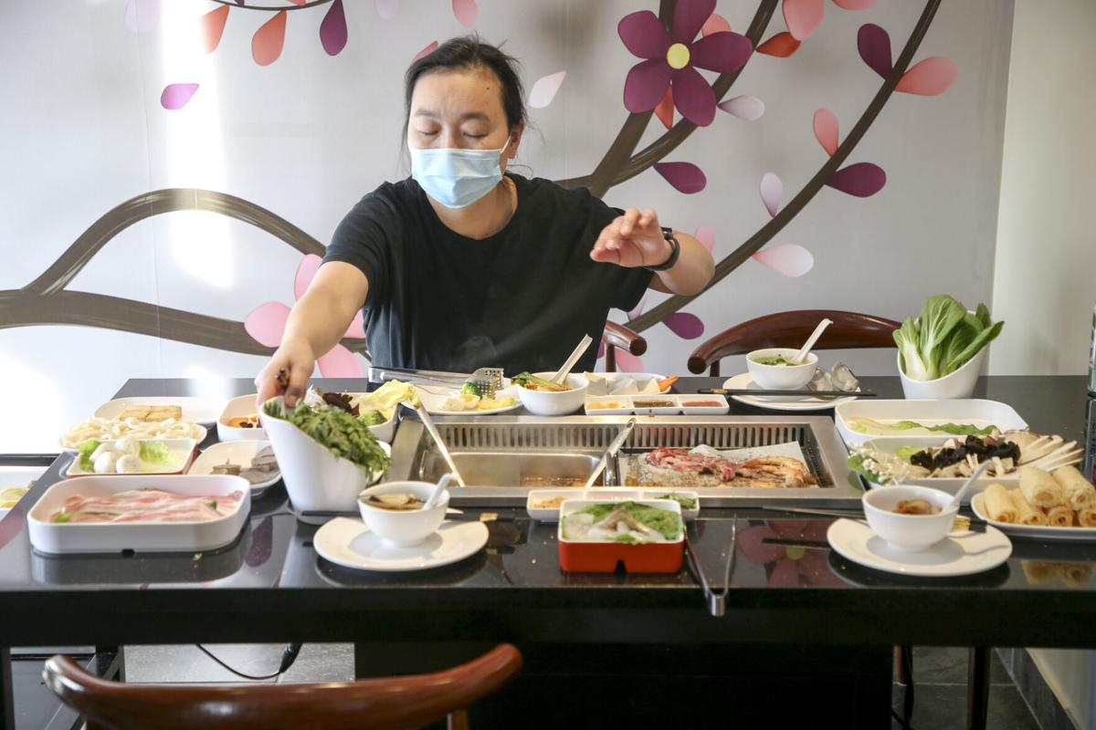 100(degrees)C Grill and Hot Pot