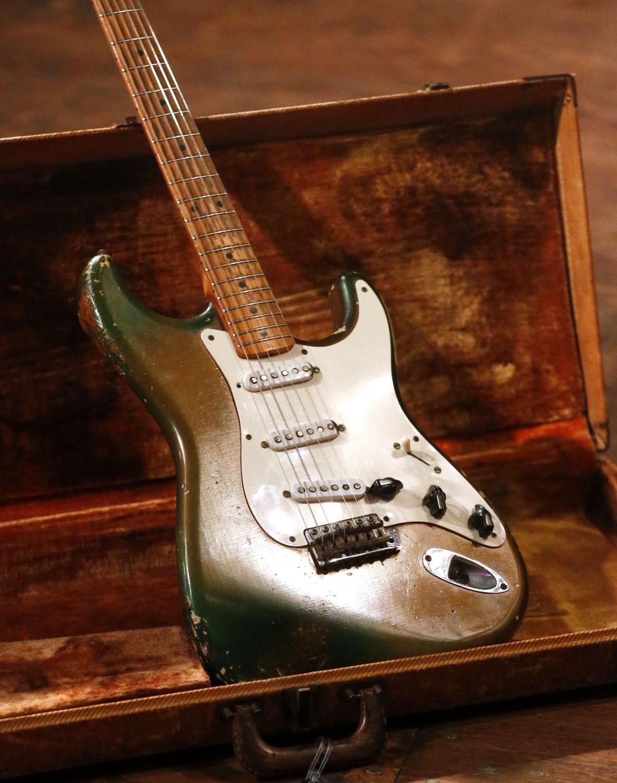 guitarist joe bonamassa brings texas playboys guitar back to cain 39 s ballroom blogs. Black Bedroom Furniture Sets. Home Design Ideas