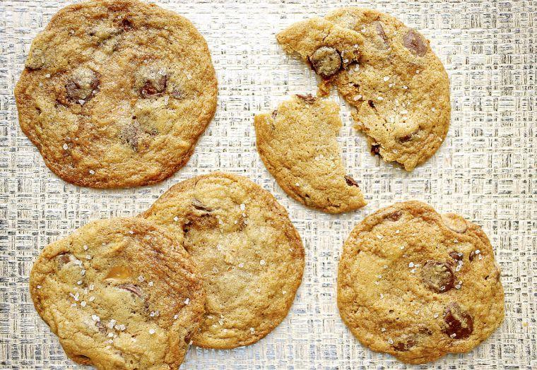 Biscoff Stuffed Chocolate Chip Cookies