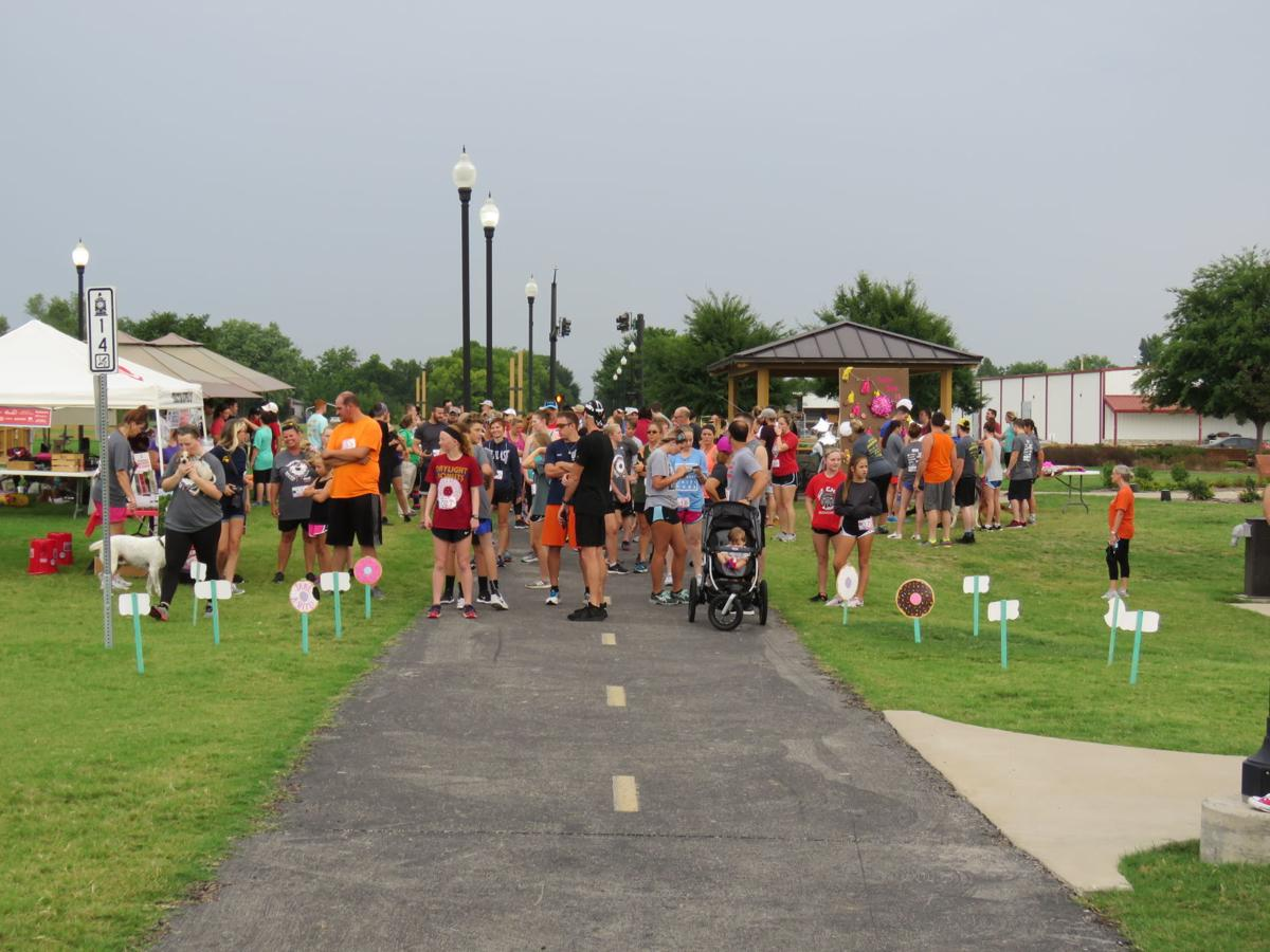 Daylight Donuts Hosts 5k Run For Paws And Claws News Tulsaworld Com