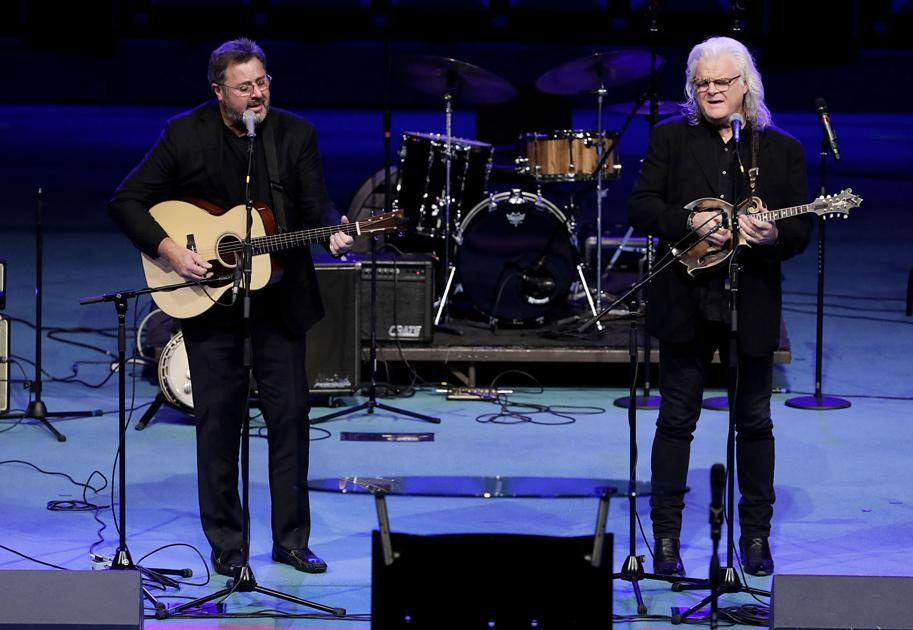 'He will be remembered forever:' Roy Clark's life celebrated at memorial service