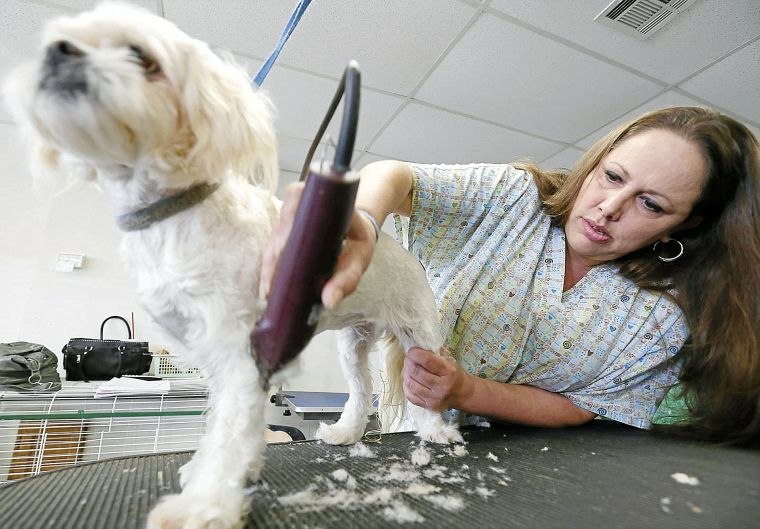 Muddy Paws program helps female inmates shed past