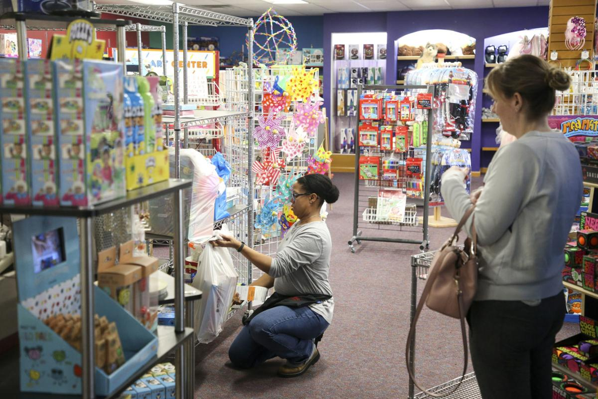 Now Serving Curbside Small Retailers Adapting To Changes Brought On By Coronavius Concerns Business News Tulsaworld Com