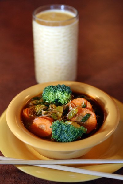 Desi Wok Intriguing East Indian Flavor Mingles With Asian Dishes Food Cooking Tulsaworld Com