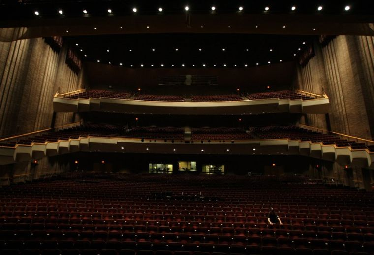 Tulsa PAC pioneers LED lighting for theaters
