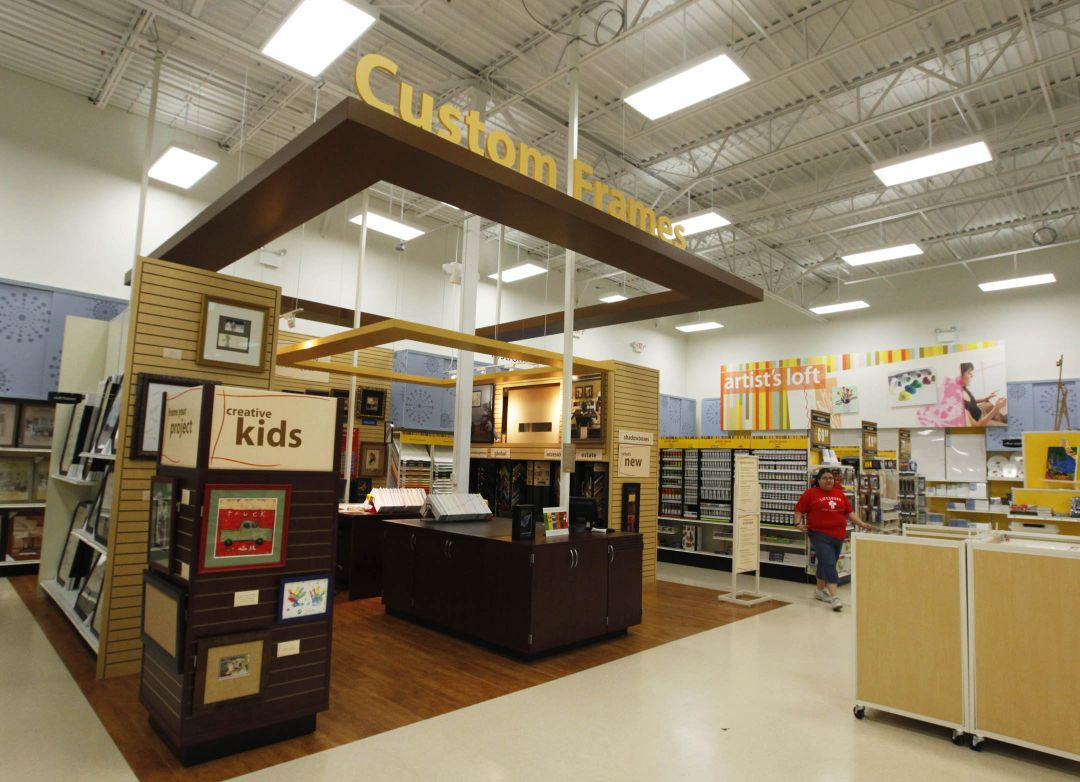 Black friday slideshow find out when your favorite stores for Michaels craft store black friday hours