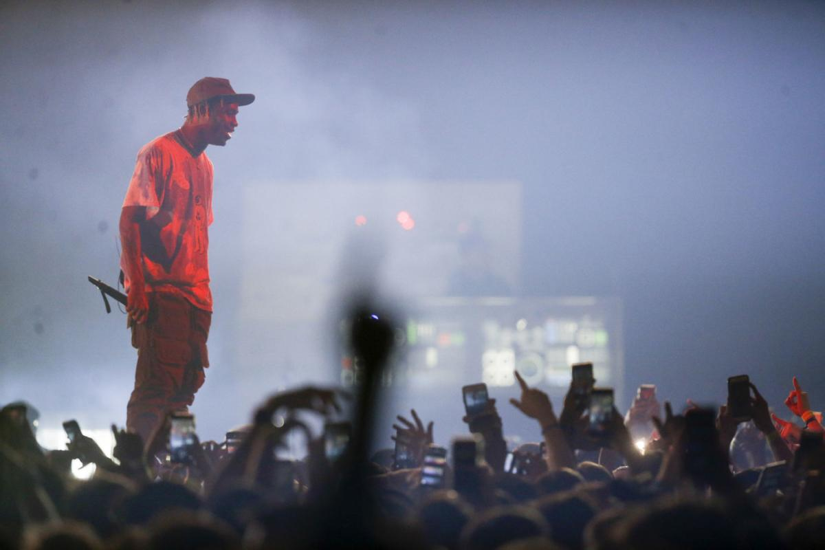 Review Travis Scott Brings Best Show Of His Tour To Tulsa For