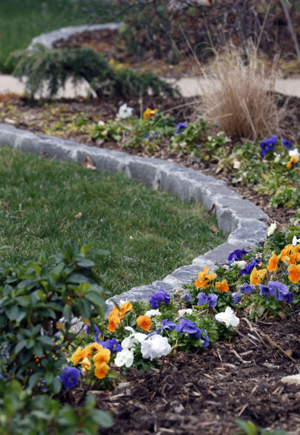 Low Cost Landscaping Can Boost Home Values Archive Tulsaworld Com