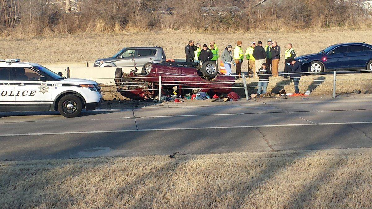 Update: 1 killed in rollover crash on U S  75 near 36th