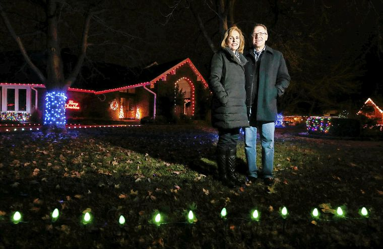 Learn The Best Spots To See Christmas Lights In Tulsa Area