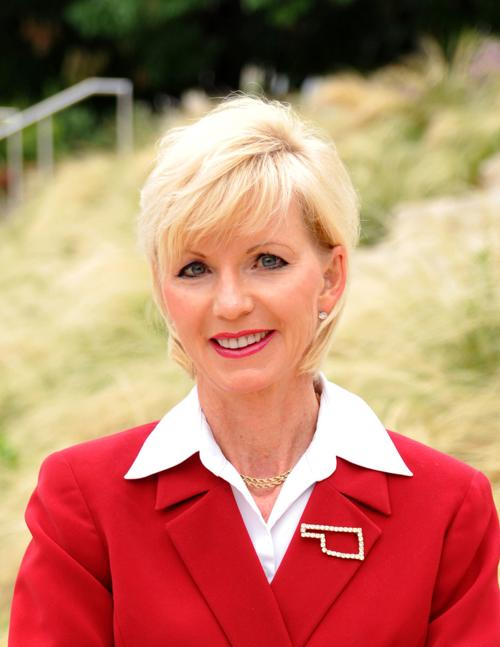 Oklahoma Corporation Commissioner And Candidate For Lt Governor Visits Sand Springs Tulsaworld Com