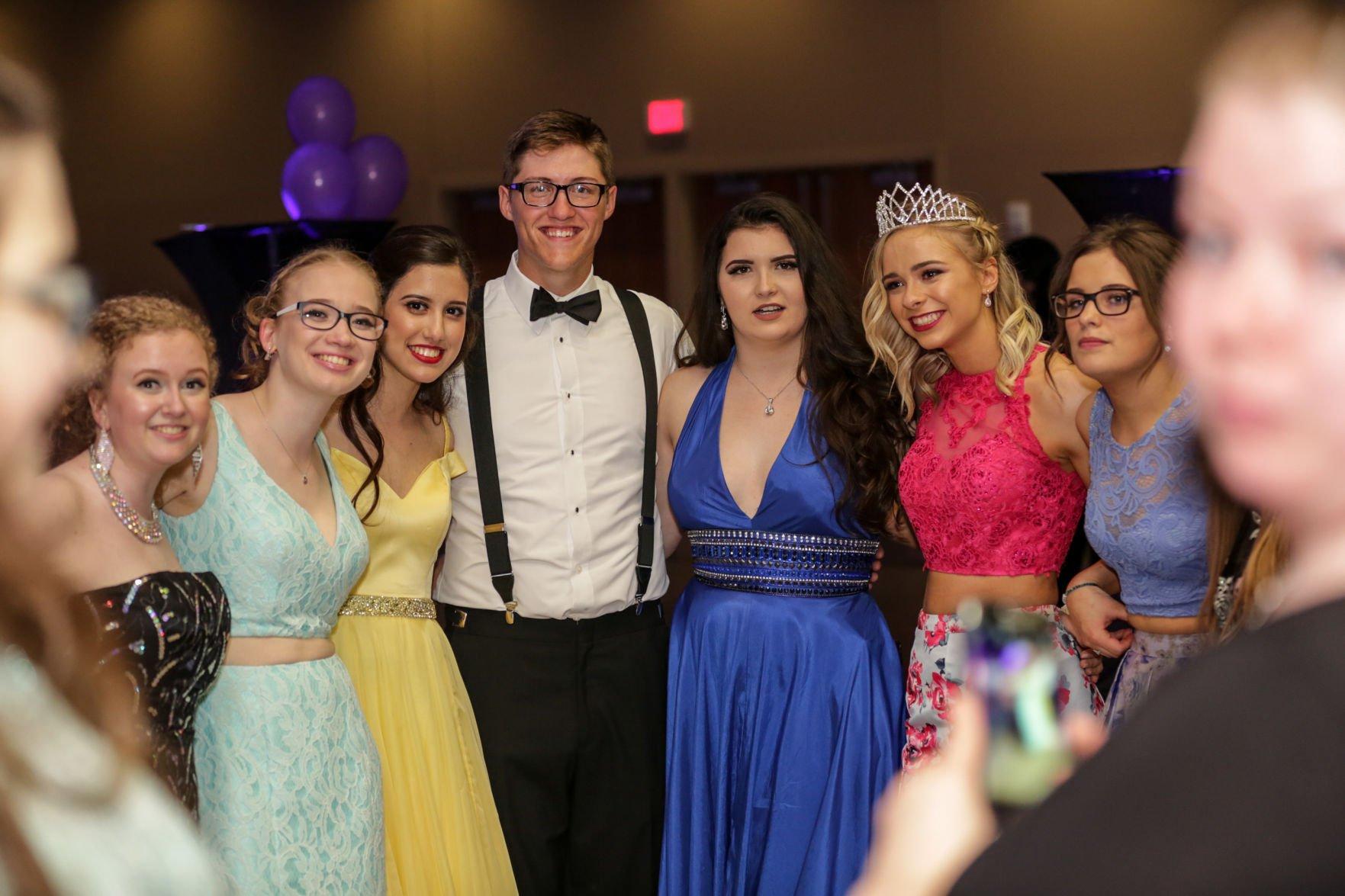 20170416 GlenpoolProm TulsaWorld 091 Photo Gallery Glenpool High School prom