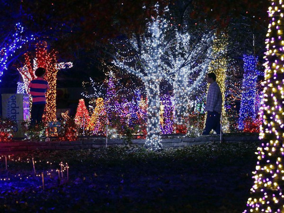 Christmas Events Tulsa 2021 Tulsa S Biggest Holiday Events Light Displays And Parades Gallery Tulsaworld Com