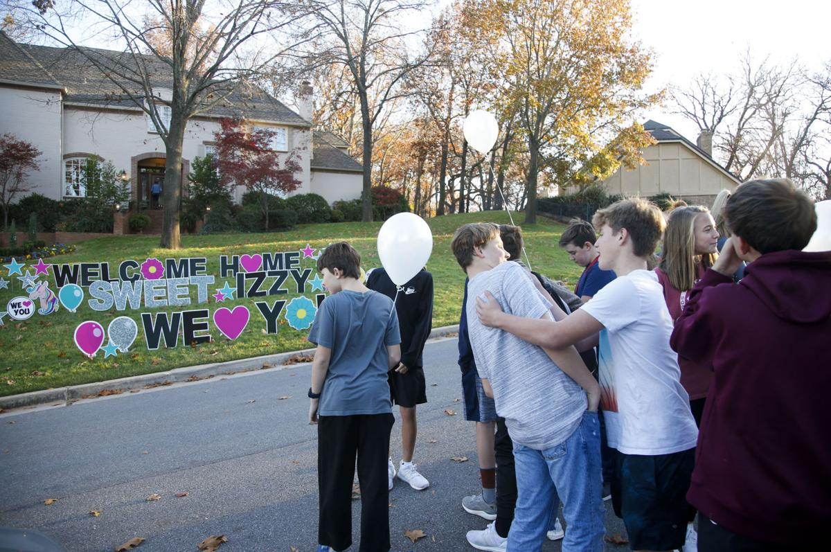 Crowd of supporters cheers as teen injured in deadly car crash returns home | Metro & Region ...
